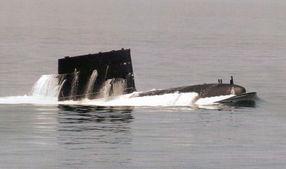 ...料图:中国海军039宋级潜艇上浮-日本称中国海军能力范围超越近海...