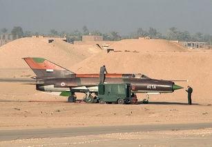 人民网10月14日讯13日,埃及一架米格-21战斗机在南部省份卢克索发...