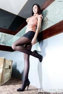 ...臀长腿美女秘书卫生间里大胆紧身黑丝销魂诱惑人体艺术图片 性感美...