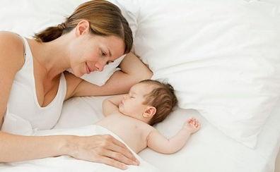 宝宝如何睡出漂亮头型