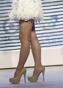 阿娇黑丝袜粗腿 女星个个大粗腿