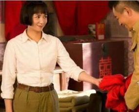 影学院表演系.1999年,参演《牵手》夺得第19届中国电视剧飞天奖...