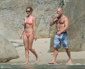 杰森-斯坦森(Jason Statham)和女友罗茜-汉丁顿-惠特莉(Rosie ...