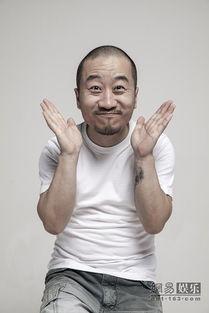 周宸佳携手为某视频网站拍摄了一组创意十足的广告片.其中,李彧和...