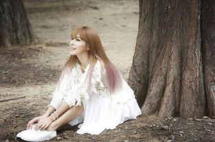 蔡妍唯美白裙写真纯如仙子 将与李泉合作