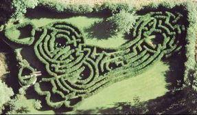迷失在全球八大最神秘壮观的迷宫