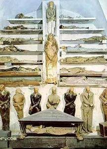 世界十大古墓 秦皇陵第一 车大女士墓室成迷