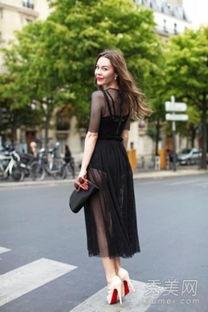 黑色透视连衣裙,不管是明星还是街拍达人都喜欢穿黑色的透视装呢,...