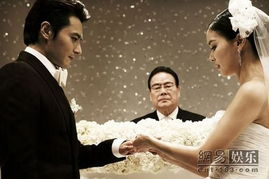 网民们都称像看电影一样.   这场轰动亚洲的婚礼让来自世界各地的媒...