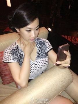 界之第二白瞳-同一天另一网友也曝光芙蓉姐姐的美照,并称: