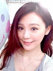 台湾美女主播大胆扮女仆 性感裙照曝光