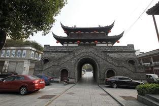 至东市街、南至飘萍路、北至石榴巷,是金华市区唯一保存相对完整的...