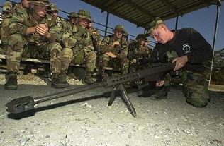 特种兵王在校园-...美国陆军狙击手学校的美军学员使用M-82A1-台军巨资买 狙击枪王 ...