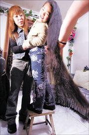 ...童汪澍涵,目前长发已达一点三米,身高与发长基本相当,现已申报...