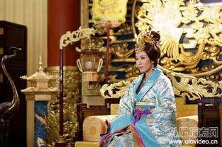 ,不及皇后玉女天成,还请陛下命... 见她雪也似白嫩的肌肤上面,一道...