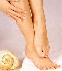 两脚互相摩擦脚心-减压促循环 超简单的光脚养生5妙招