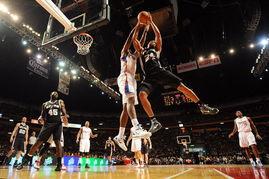 杰弗森抢篮板NBA季前赛继续进行,圣安东尼奥马刺队延续胜利势头....