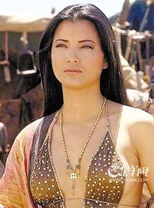 演过电影的女明星-性感女星胡凯莉担任女主角-陈冠希 潜伏 两年 背靠 富婆 展开全面复出