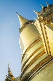 高层建筑以及时尚元素,让这里充满都市气息.而暹罗广场则是曼谷著...