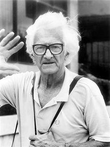 法国著名摄影师马克 吕布去世