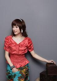 ...服,应该摆出更自信的态度前去面对.自信的女人才是最美的.-小胸...