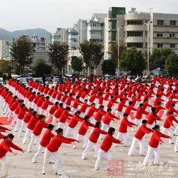 张春丽广场舞 跳这种舞步可以减肥瘦身