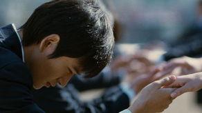 免费av好屌操-中新网6月23日电 电影《80后》即将于本月25日隆重上映.上映前夕,...