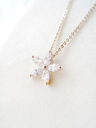 锁骨链 项链 梅花 白水晶