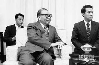 生在莫斯科中山大学时代的同学,王老亲自告诉我,他在俄国曾抱过蒋...