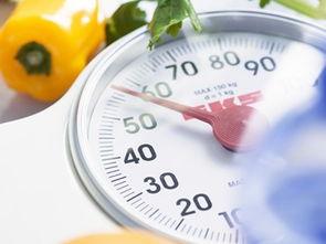...之后每天摄入等量的碳水化合物,让体重维持在比较稳定的状态.这...
