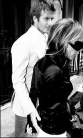 父女辣文合集之小研-25日,辣妹维多利亚和夫婿贝克汉姆一起在伦敦亮相,当二人约会并准...