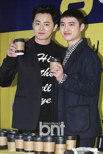 ... 19日下午,韩国电影《哥哥》在首尔往十里CGV电影院举行观影人...
