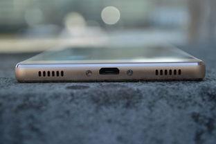 华为P8的最小内存为16G,安装存储卡内存可扩充至128G.手机有黑...