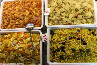 ...味道清新的水果神菜获得大批学生追捧,很多之前听说的学生早早地...