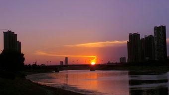 漯河出现奇特 龙形 云彩