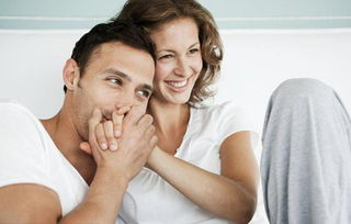 """很多男性早晨睡醒,若发现阴茎让尿给""""憋""""硬了,便会忍不住窃喜,..."""