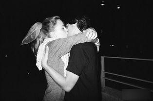 ...摄影师镜头下的情侣亲密瞬间