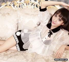 刘萌萌身穿透视蕾丝装 公主气质显露无疑