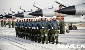 中国国产第三代新型战机歼-10一问世,世界就为之瞩目.西方媒体渲...
