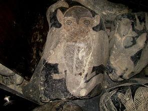 【秘鲁伊卡石刻】在秘鲁北部的伊卡村庄中有一座石头博物馆.里面陈...