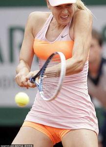 网球美女布沙尔写真-法网女单1 4决赛 莎拉波娃2 1穆古拉扎