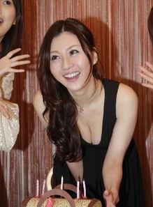 欧美a片母与子wwwrrbtme-日本AV女优香港宣传写真.-22岁日本女优 任全人类观赏肉体 需要很...