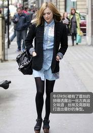 有了不同韵味,丝袜及高跟鞋女人味十足并打造出曼妙的身线效果.   ...