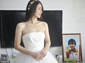 美女蝶后焦刘洋大婚 丈夫深情弹唱引惊呼