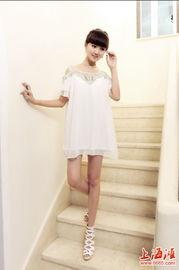 好莱坞小美女Emma Roberts的超仙罩衫裙