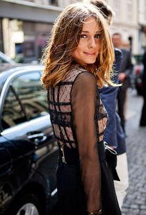 超模示范:街拍黑色透视装-街拍美女大尺度透视装
