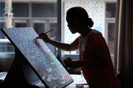 ...小飞正在创作《八鱼图》-浙江海洋行 之四 渔嫂的艺术人生