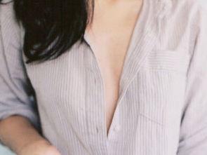 ...量,有人就认为平胸女性的乳汁的分泌量低,不足以哺育 -贫乳 两性...