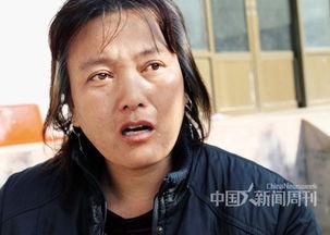 农村妇女玉米地卖-...北行唐乡习村的农妇郭立青为给儿子的患处植皮,腹部的皮肤被剥去...