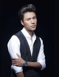 演员陈坤(微博)的首部自传性质... 即将于2012年元月上市.书中,陈...